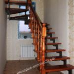 Красивая лестница на этаж